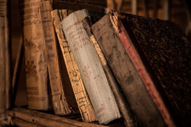 poničené knihy